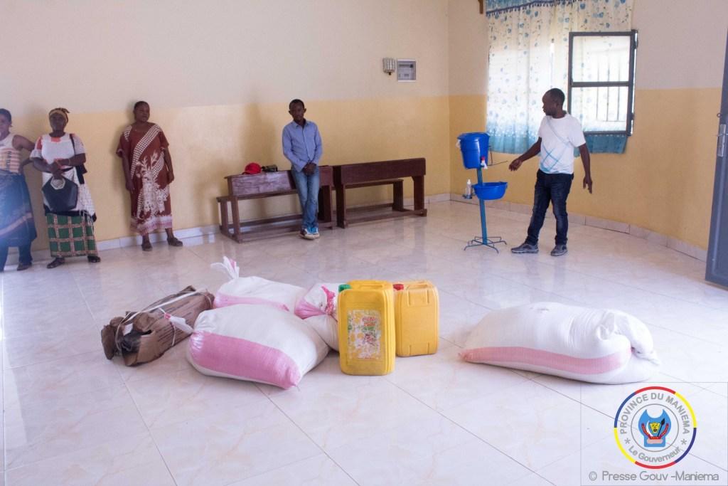 Kindu : le Gouverneur assiste de nouveau en vivres l'orphelinat Sifa kwa Mungu