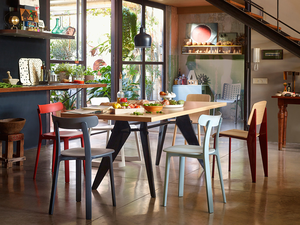 In Situ – The Vitra All Plastic Chair by Jasper Morrison (Photo via Vitra.com)