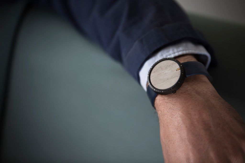 CLOAK has removed the clutter of traditional watches and smartwatches.