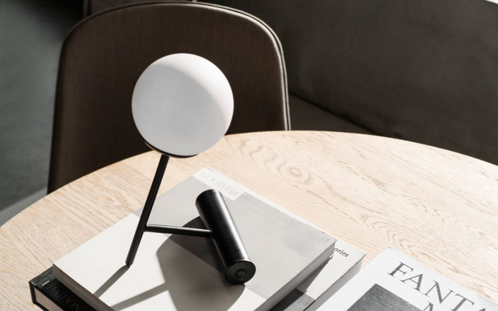 Connected Spaces by Menu | Phare Lamp