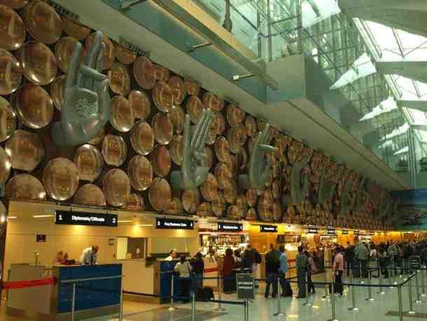 Delhi Airport. way to Rajasthan.. maninio.com #delhiairport #Agradelhi