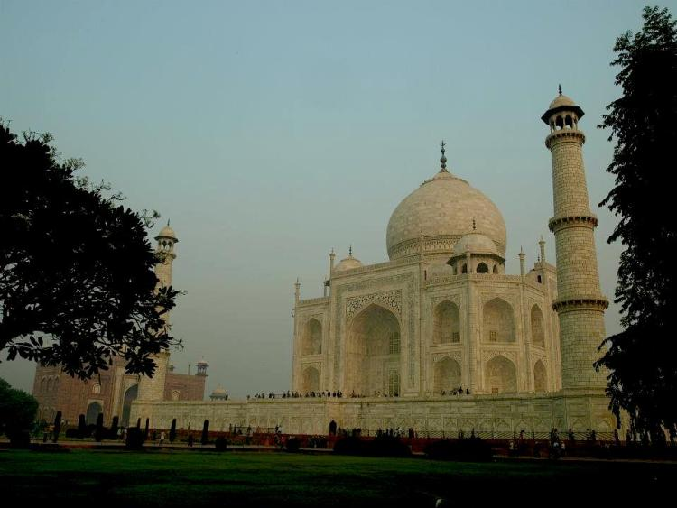 The temple of Taj Mahal in India. Rajastan maninio.com #Tajmahalindia #DelhiTajmahal