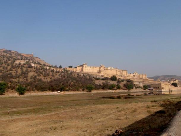 Rajasthan, Jaipur in the surroundings.. maninio.com #Rajastanjaipur #Agradelhi