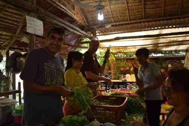 Cooking in the organisation touch a life -#volunteerintouchalife #volunteerincambodia maninio.com