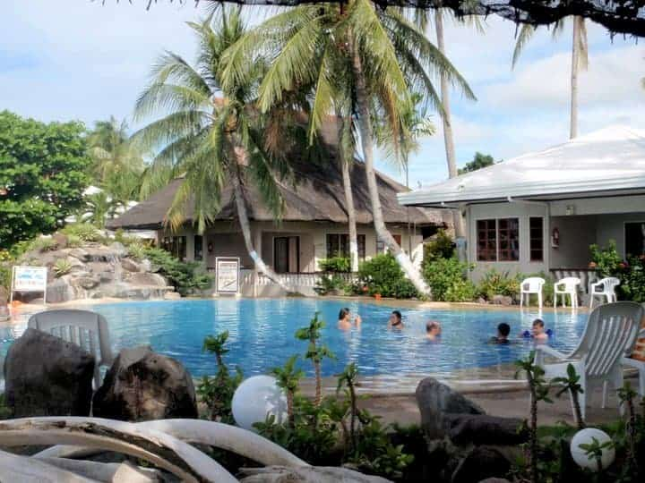 Paras beach resort swimming pool, philippines. maninio.com #tourismphilippines #visitcamiguin