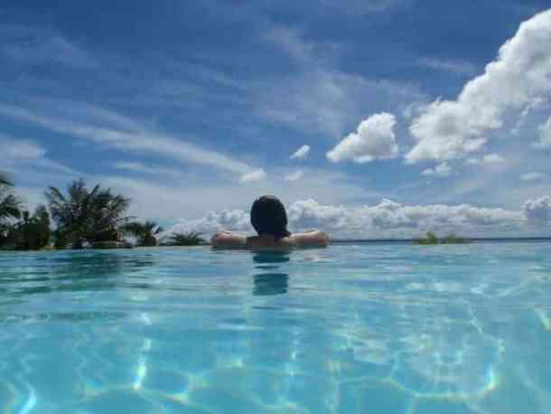 Be resort swimming pool, Cebu city - Philippines #Cebucity #Philippinesasia | maninio.com
