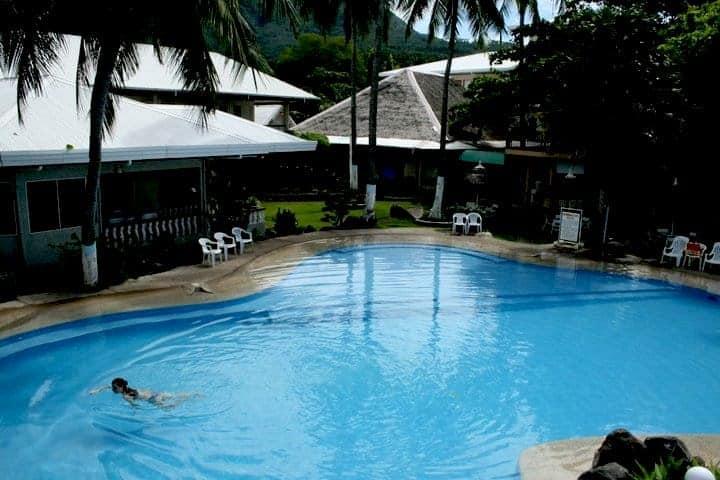 Paras swimming pool in paras beach resort. maninio.com #tourismphilippines #visitcamiguin
