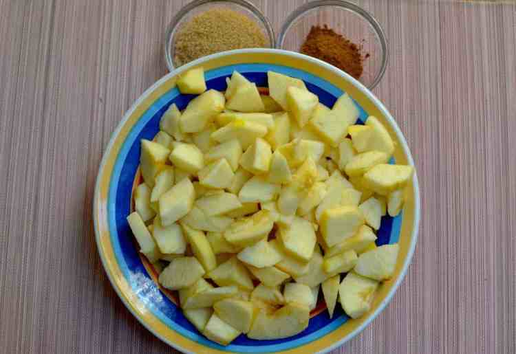 My endless love of Apple pies, golden apples cut #goldenapples #greekpastries maninio.com