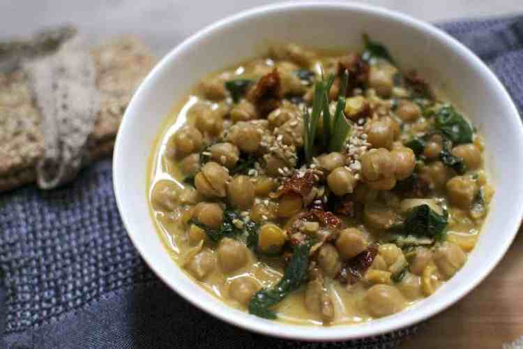 chickpeas-with-spinach-and-dried-tomatoes_serving4