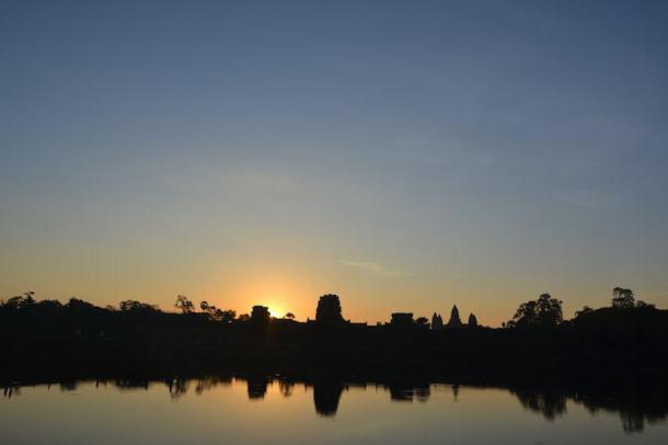 Angkor Wat Temple - maninio.com - Cambodia - Travel - Asian temples- sunrise