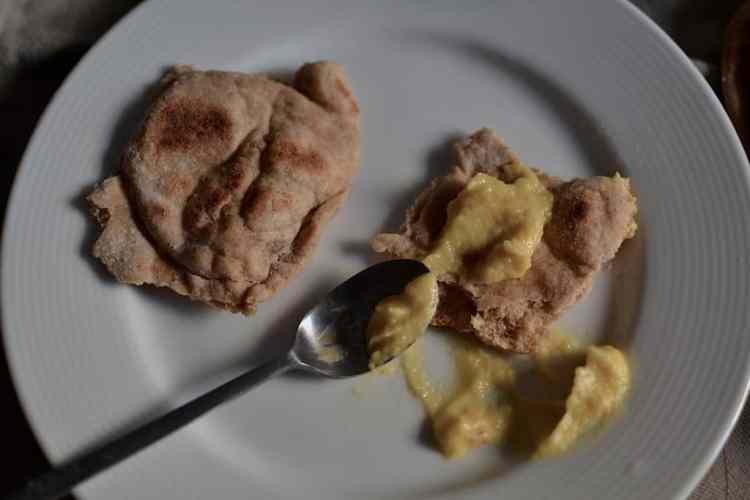 Νόστιμες Πίτες χορτοφαγικό σουβλάκι με σώς #Σουβλάκι #βίγκαν | maninio.com