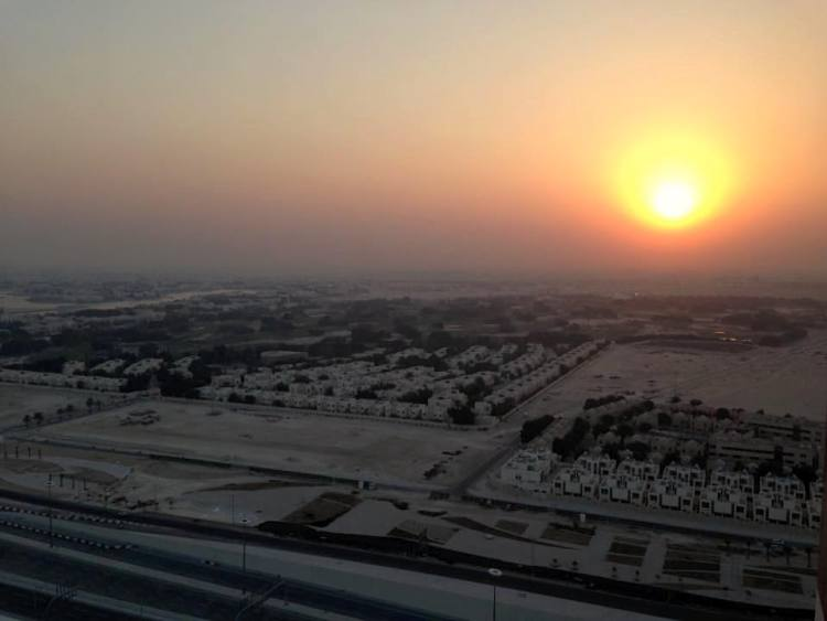 Sunset in Qatar maninio.com #constructiondoha #pearlqatar