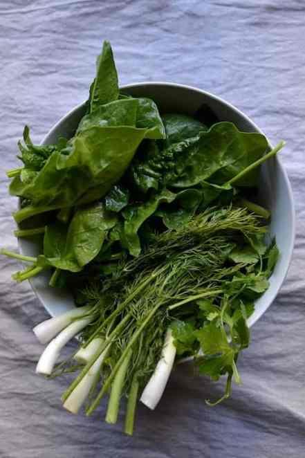 spinach-www.maninio.com-vegan-pies-easter