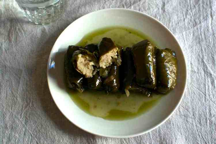 Eat as a vegan in Greece, Stuffed #veganpumpkin #greekvegan maninio.com