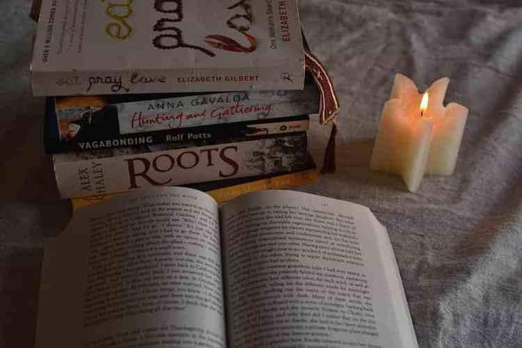 Pray and read travel books. maninio.com  #travelbooks #bookslove