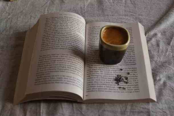 Coffee love with a travel book. maninio.com  #travelbooks #lovebooks