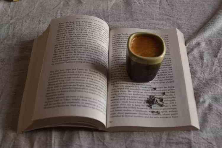Coffee love with a travel book. maninio.com  #travelbooks #lovebooks
