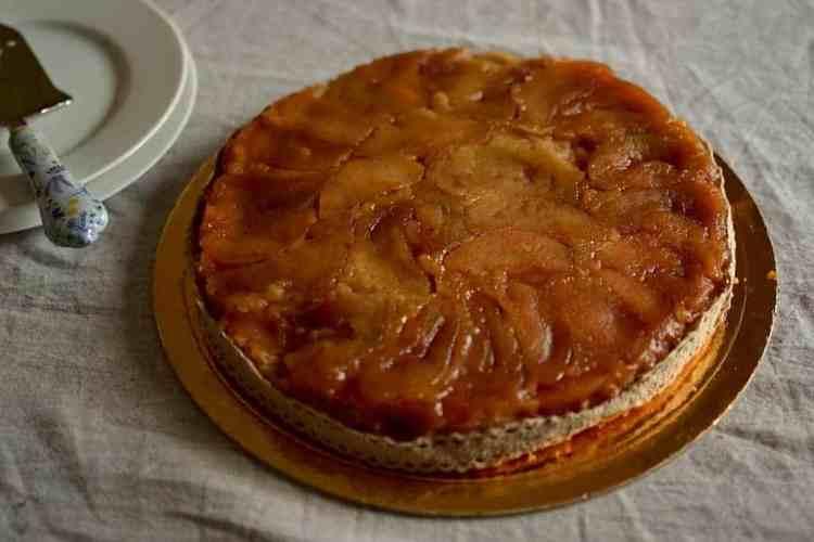 Vegan Apple pie maninio.com - Vegan #veganapplepie #vegandesserts