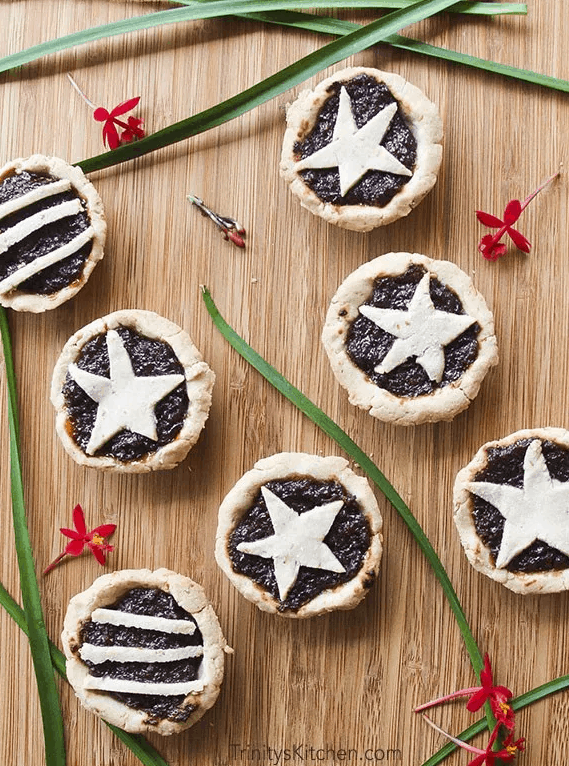 "Gluten Free Vegan English ""Sweet Mince pies"" for Christmas. maninio.com. Christmas sweets."