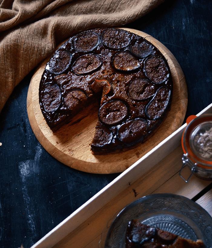 Caramel Sticky Figgy Pudding. maninio.com. Christmas Desserts