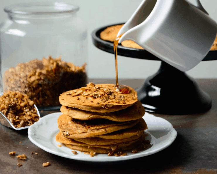 Amagingackee - Granola ackee Pancakes - Vegan Healthy Breakfast Ideas to Start your day. maninio.com
