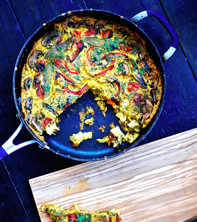 Sunnysidehanne - Fritata gluten free - Vegan Healthy Breakfast Ideas to Start your day. maninio.com