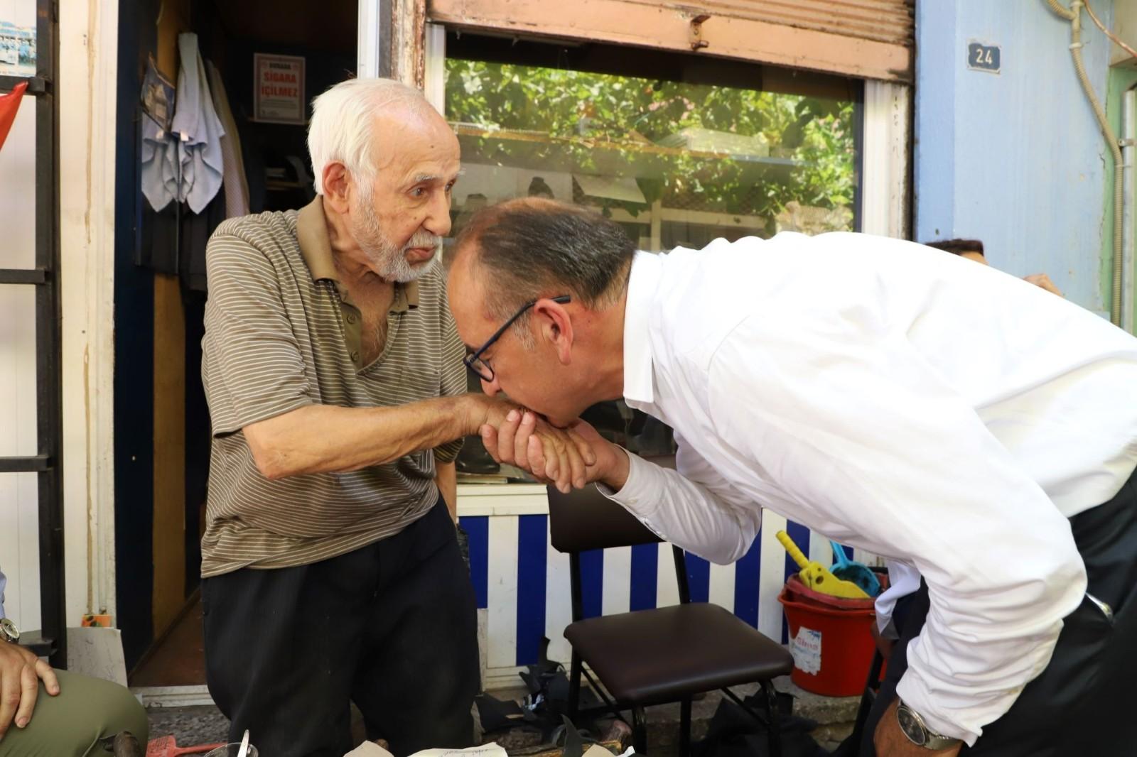 Başkan Akın esnaf ziyaretlerini sürdürüyor