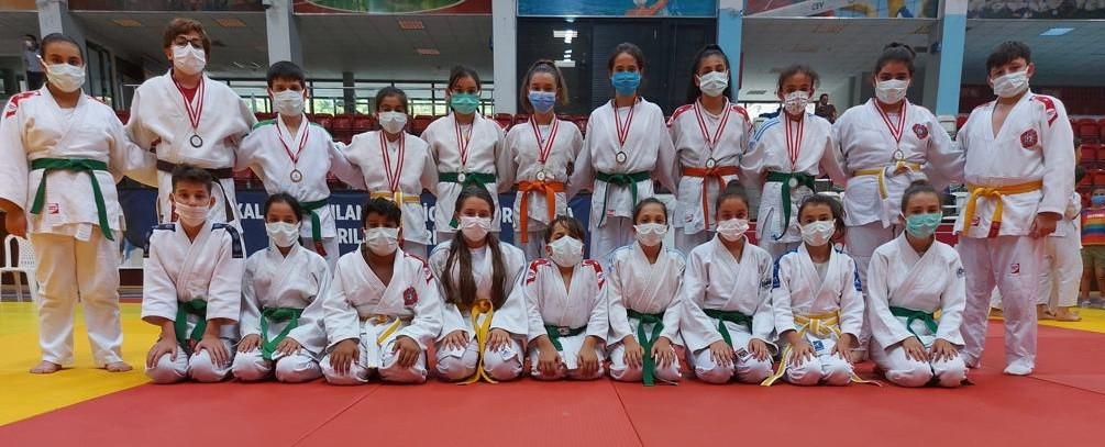 Judocular, Fuar Kupası'ndan madalyalarla döndü