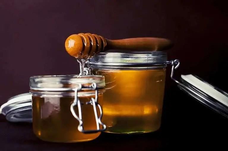 cara mencerahkan wajah dengan madu murni