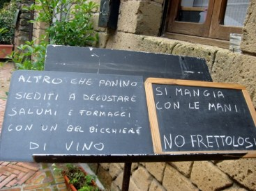 Sovana - no hurry, here it's eaten with the fingers