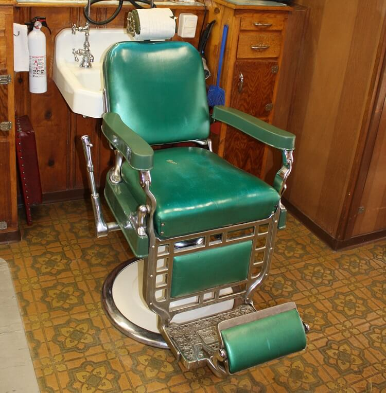 How to find a great barber. Check how well maintained the seat is