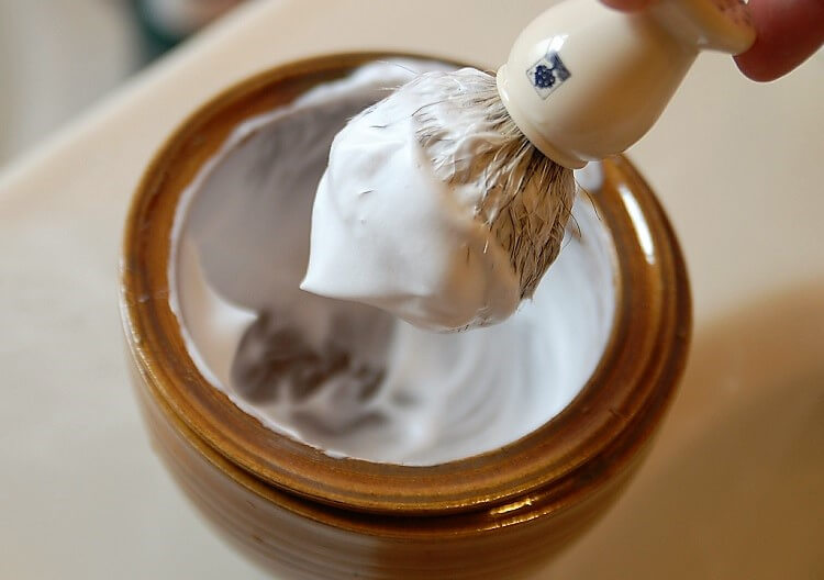 Thick and rich lather is important in selecting the best shaving cream for mens face