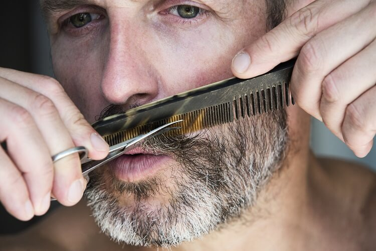 Comb and scissors for maintaing a beard healthy and groomed