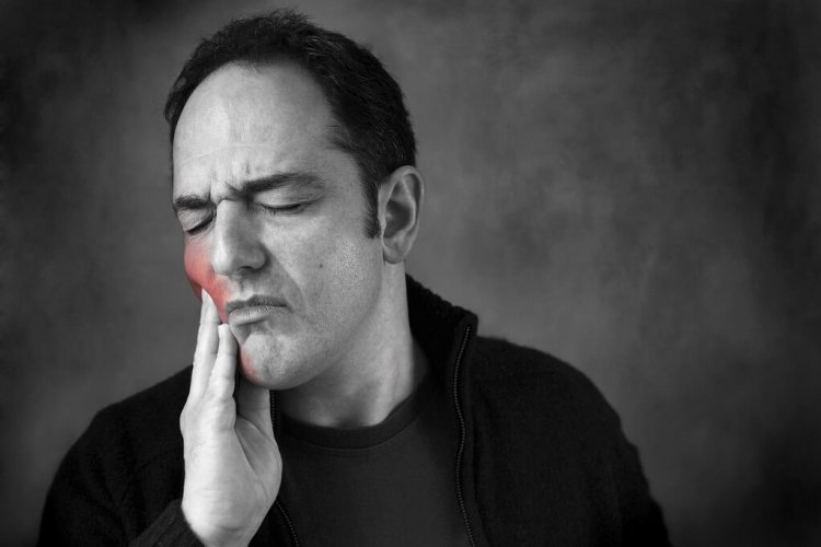 Tooth ache is sign of tooth decay. Pay a visit to the dentist