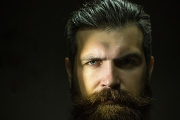 How to moisturise your dry skin under beard