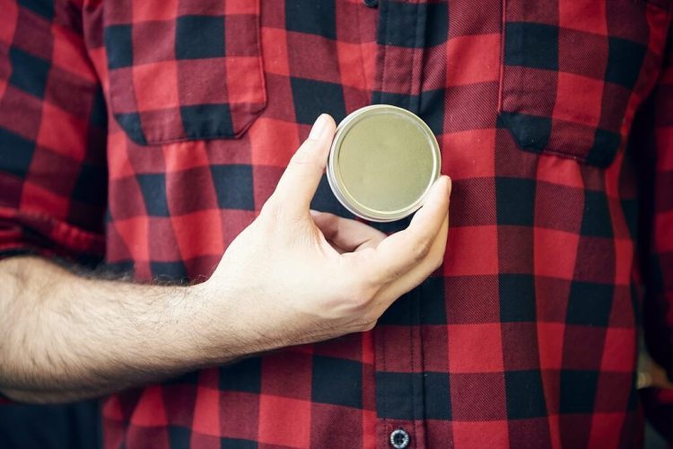 What is solid perfume and how to use that