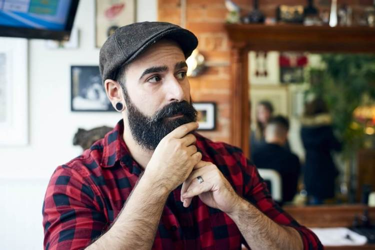 Making your beard straight step by step