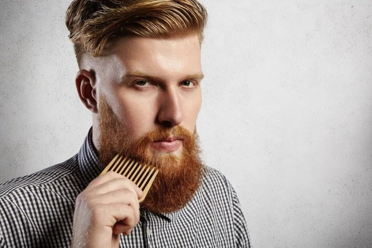 Straighten your curly beard hair with a comb