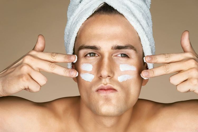 How to use an anti aging eye cream for men