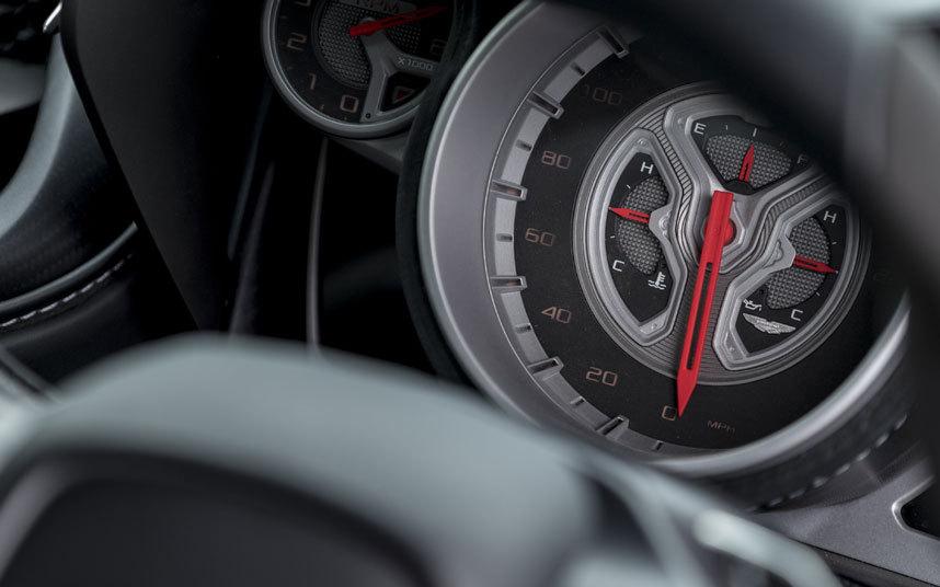 Aston-DB10-dials_3458746k