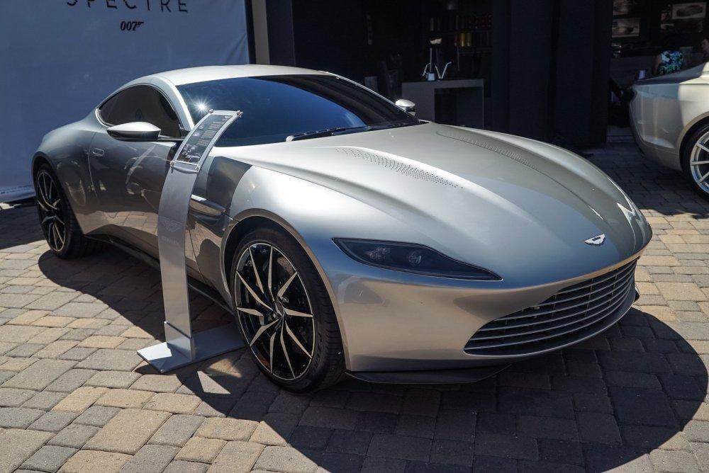 Aston-Martin-DB10-
