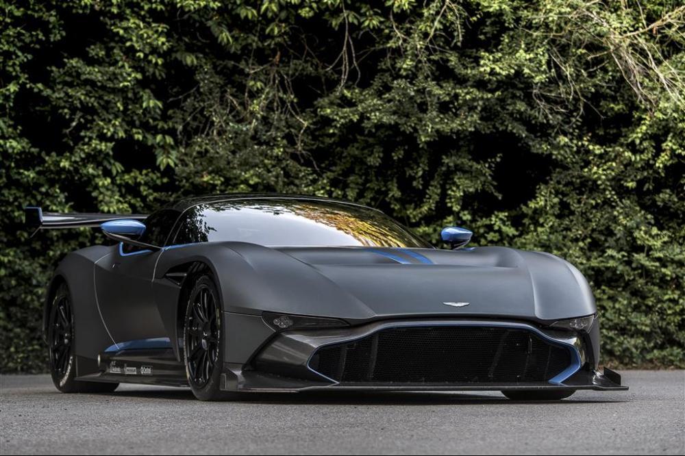 Manly.ng Aston Martin (5)