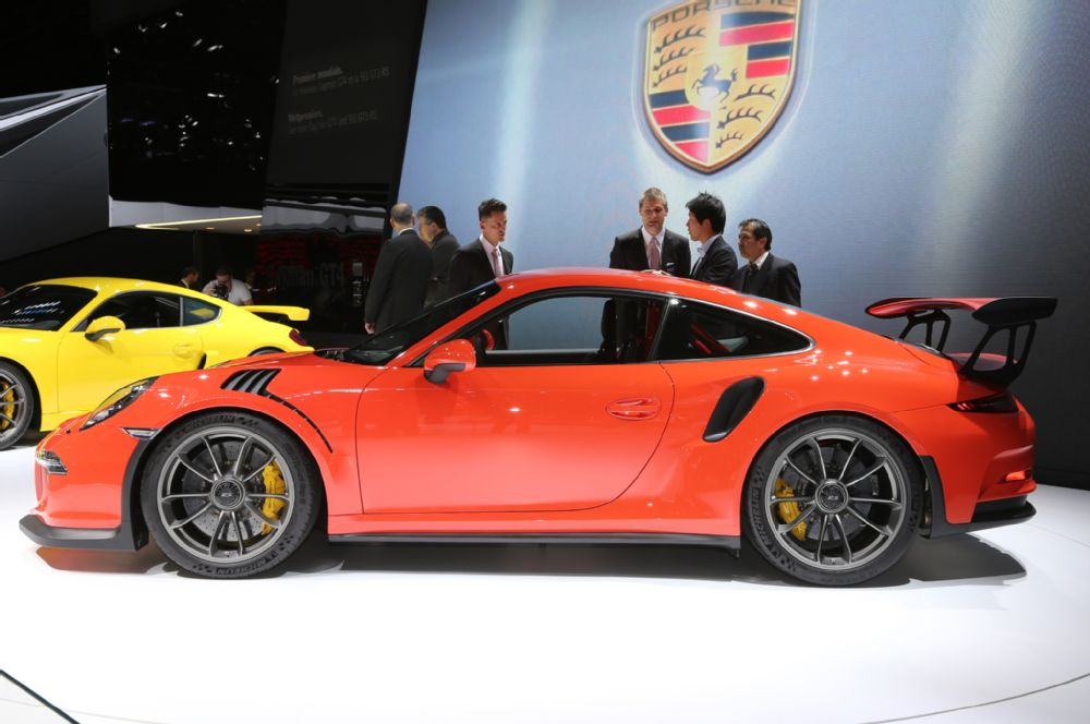 manly.ng 2016-porsche-911-gt3-rs-front-end (6)