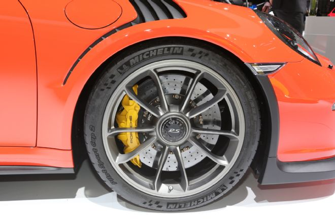 manly.ng 2016-porsche-911-gt3-rs-front-end (7)