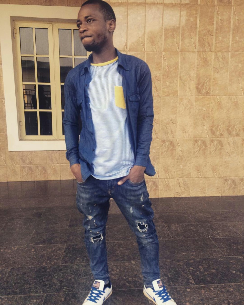 Ways Men Can Wear and Make Distressed/Ripped Jeans5