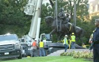 Robert E. Lee statue removed
