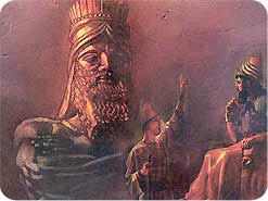 4. Pasian in Daniel tungah ma-ang leh akhiatna ahilh khitciangin, amah in kua tungah phatna pia hiam?