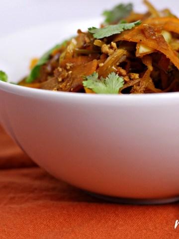 low carb eggroll in a bowl|www.mannaandspice.com