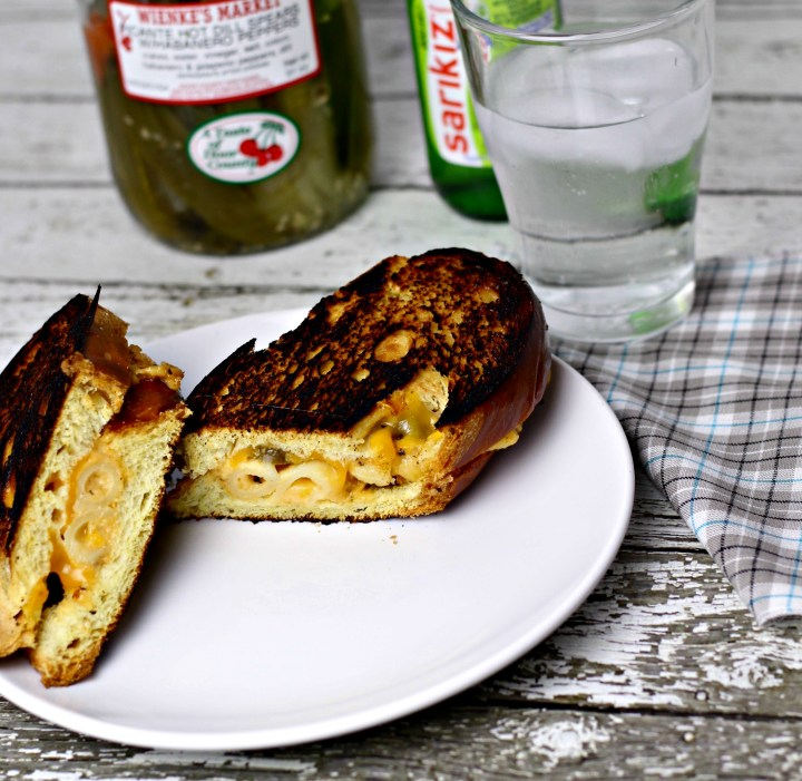 grilled macaroni and cheese sandwich|www.mannaandspice.com