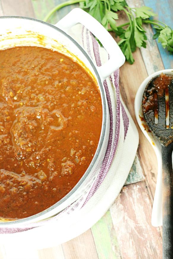 Easy-Peasy 30-Minute Marinara Sauce|www.mannaandspice.com